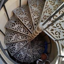 scala a chiocciola in bronzo